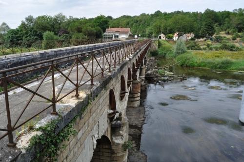 Aqueduct near Ainay-le-Vieil